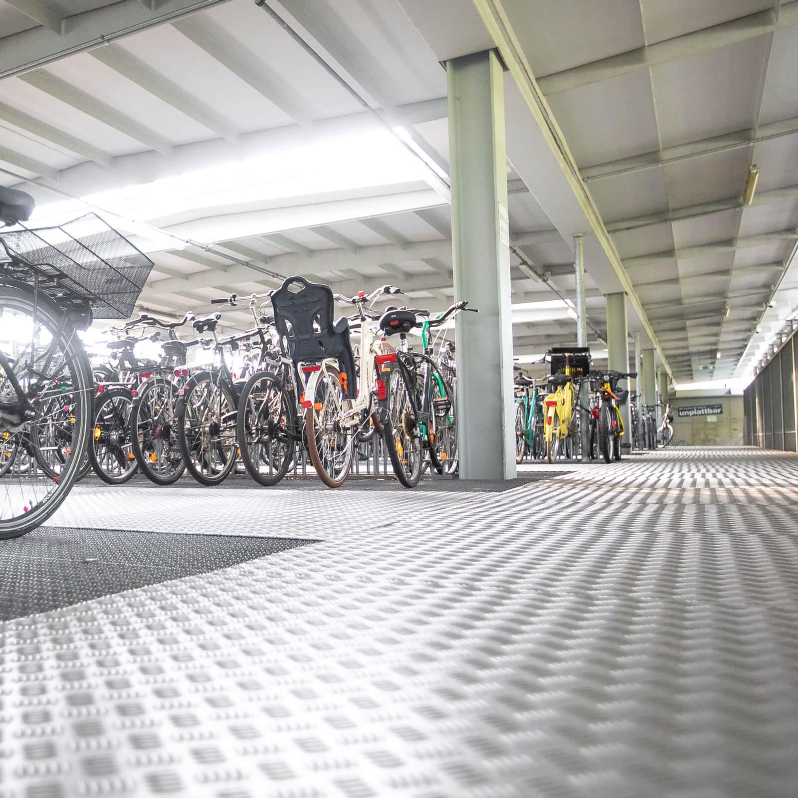 Fahrrad unterstellen in Lüneburg